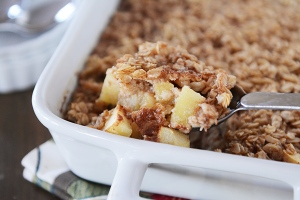 baked-oatmeal-with-apples